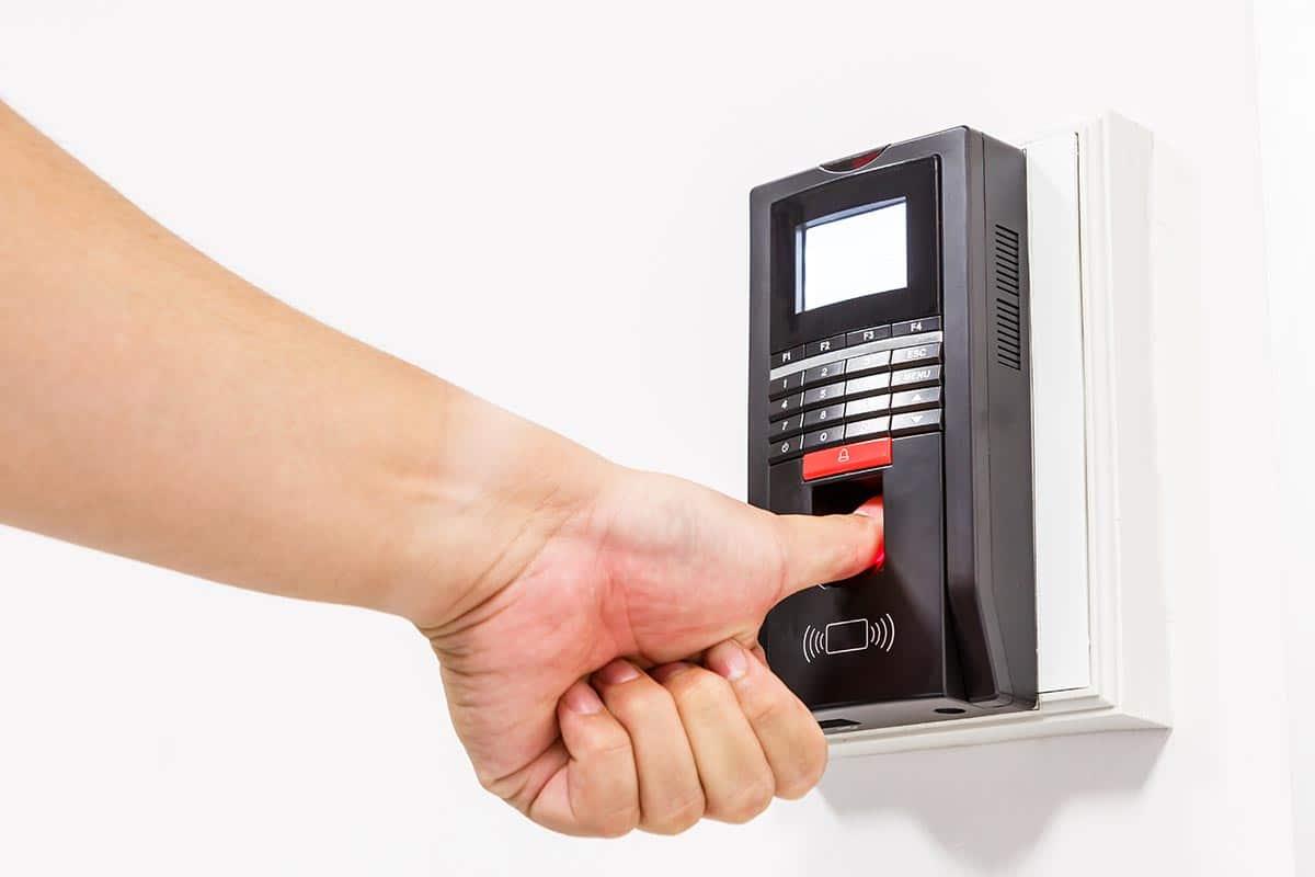 installazione vendita e assistenza controllo accessi in sardegna tecno security